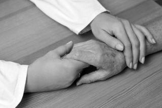 看護師が聞いた「死ぬ前に語られる後悔」トップ5