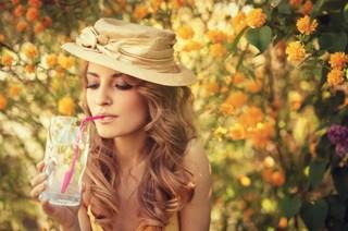 レモン白湯の美容と健康効果がとにかく凄い!!レモン白湯は女優やモデルにも人気があった!!