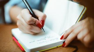 仕事や勉強に役立つ凄いメモの取り方とは?手書きのメモで記憶力アップ!なぜ今の時代手書きなのか?