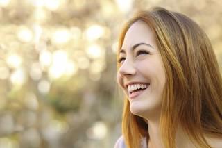 笑いの5つの効果が凄すぎる!!人は笑うことでもっともっと美しくなる!
