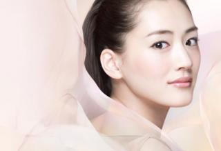 綾瀬はるかさんの透き通るような美しい肌!その美容法&ダイエット法とは?