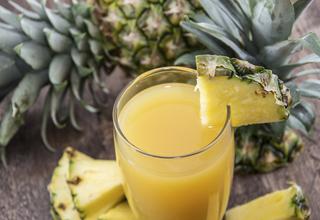 パイナップルジュースは咳止めシロップより5倍も効く?!薬を買う前にパイナップルジュースを飲んでみては?