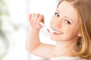 日本人の8割が歯周病予備軍!?正しい歯ブラシの使い方で歯周病撃退!!