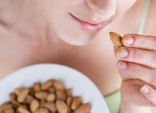 小腹がすいたらナッツがオススメ!ナッツの凄すぎる5つの栄養効果とは?!