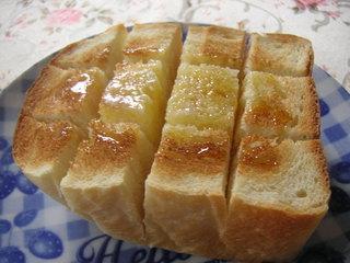 食パンは冷凍するともっとおいしい!